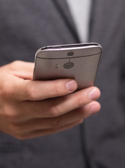 kontakt_smartphone_pion